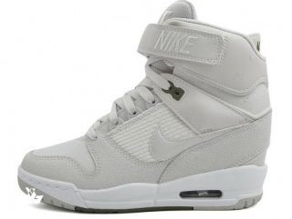 Nike Air Revolution Sky High Wedge Sneakers Gris Blanc